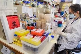 Peralatan di dalam laboraturium mikrobiologi